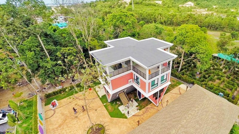 Baan Teelanka – La maison inversée de Phuket
