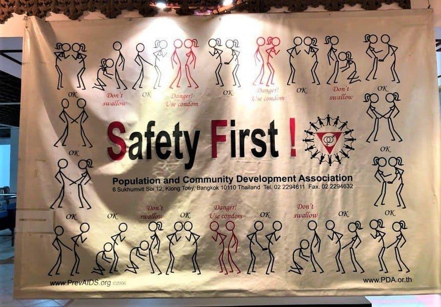 Safety First - Cabbages et Condom : un restaurant insolite à Bangkok - que faire en thailande