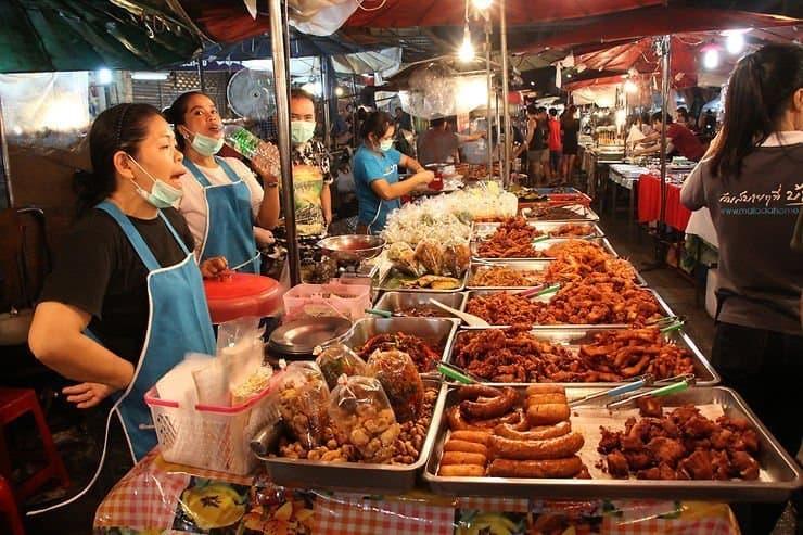 Comment commander de la street food en Thaïlande ?
