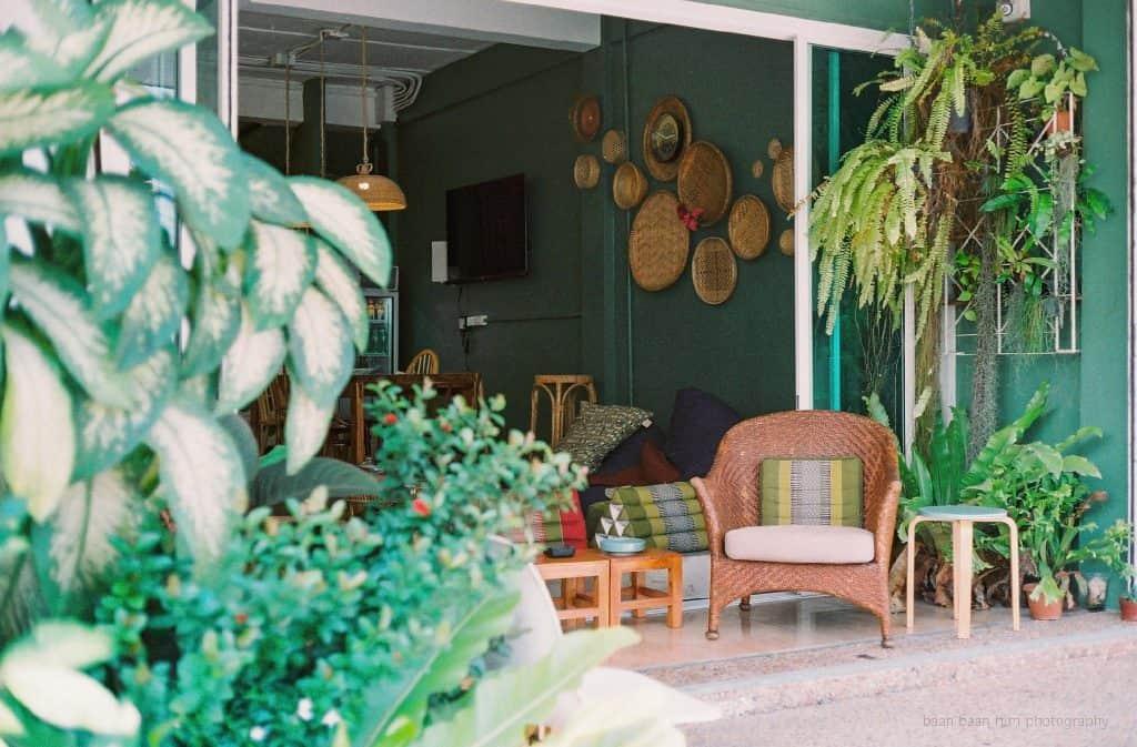 Entrée du Baan Baan hostel - Meilleures auberges de jeunesse de Phuket